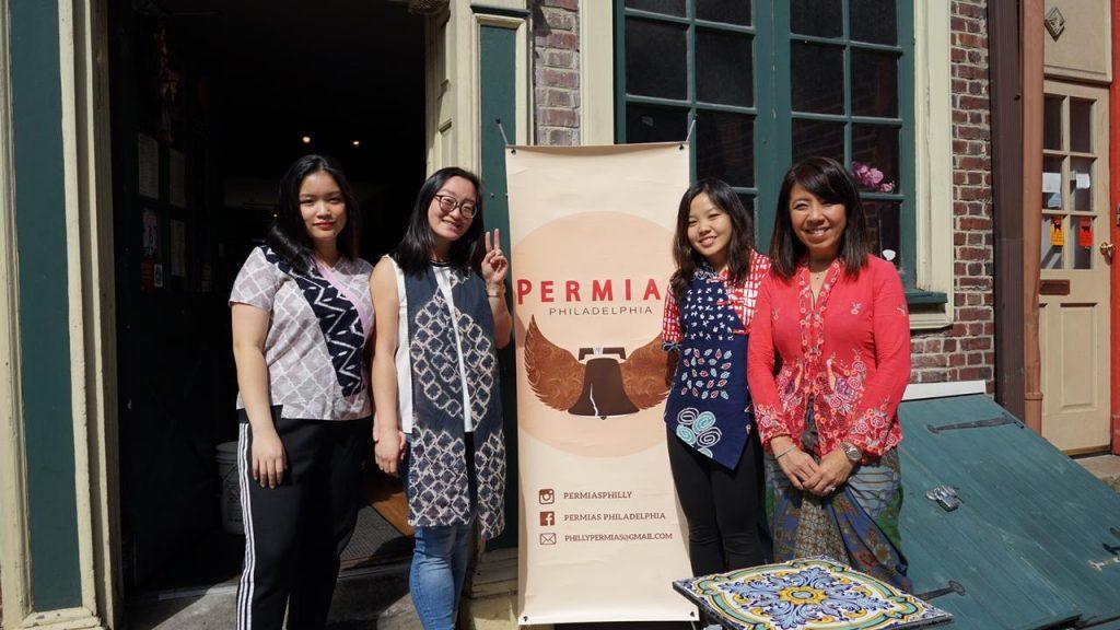 Kanan ke kiri : Bianca Goenawan (Wakil Ketua), Gracelynn Soesanto (Ketua), Audrey Tirtaguna (Public Relations), Nova Dewi (Founder Suwe Ora Jamu)
