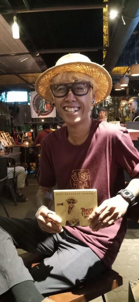 Foto Beb - Denny Frust rilis album ketiga 'Mari Bergerak Kawan'