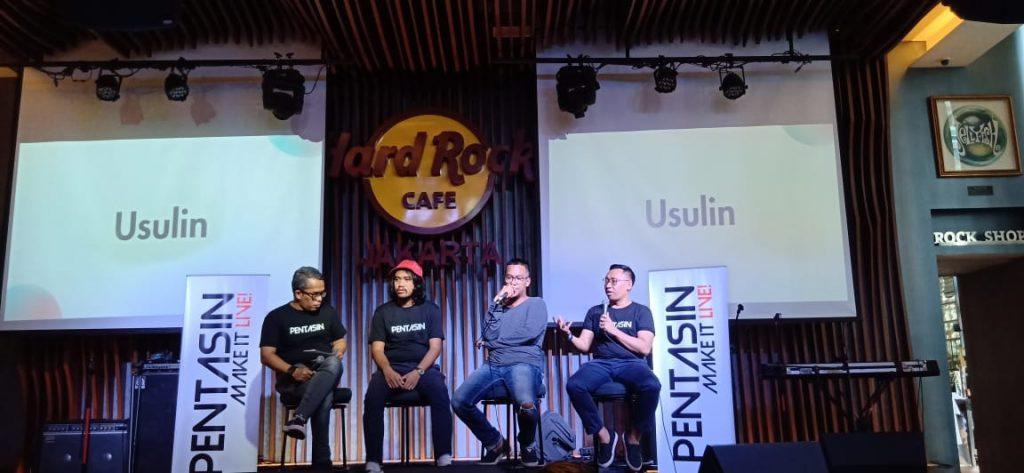 Foto Beb - Patrick Galih (paling kanan) saat menjelaskan tentang platform Pentas.in