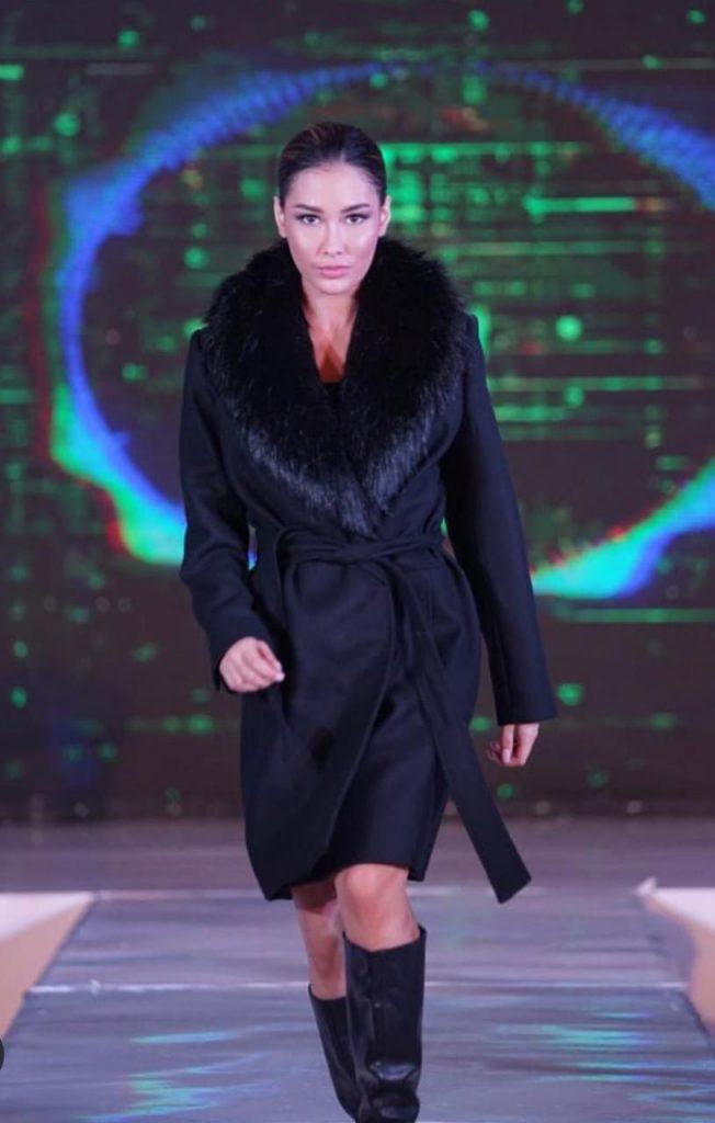 Instagram - Frederika Alexis Cull siap meraih mahkota Miss Universe 2019