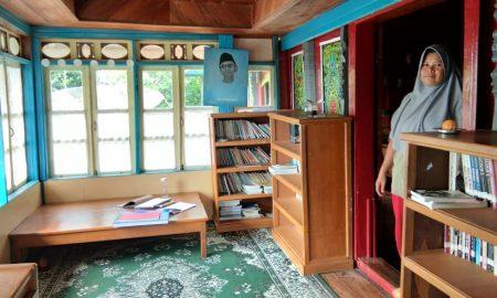 Ruang Baca Rumah Baca Nur St. Iskandar.