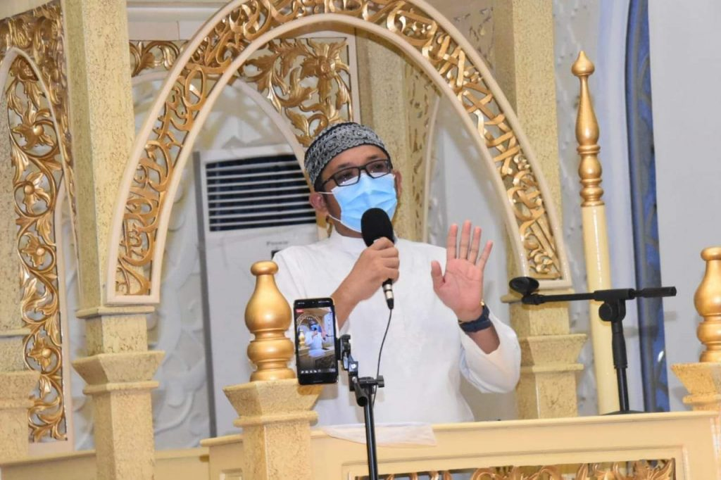 Wali Kota Padang Hendri Septa saat berbicara di atas mimbar Masjid