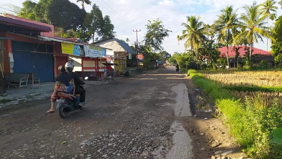 Jalan rusak sawah laiang ini akan mulai dibangun 2021