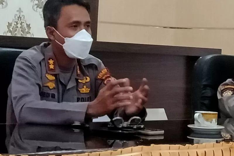 Kapolres Pasaman, AKBP Dedi Nur Andriansyah saat berbicara soal pos sekat mudik lebaran Idul FItri 1442 Hijriah.