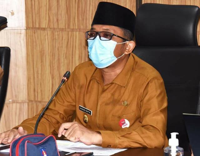 Plt Wali Kota Padang Hendri Septa